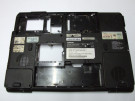Bottom case Toshiba Satellite P200 AP017000Y00 cu grila sparta si urme de oxidare